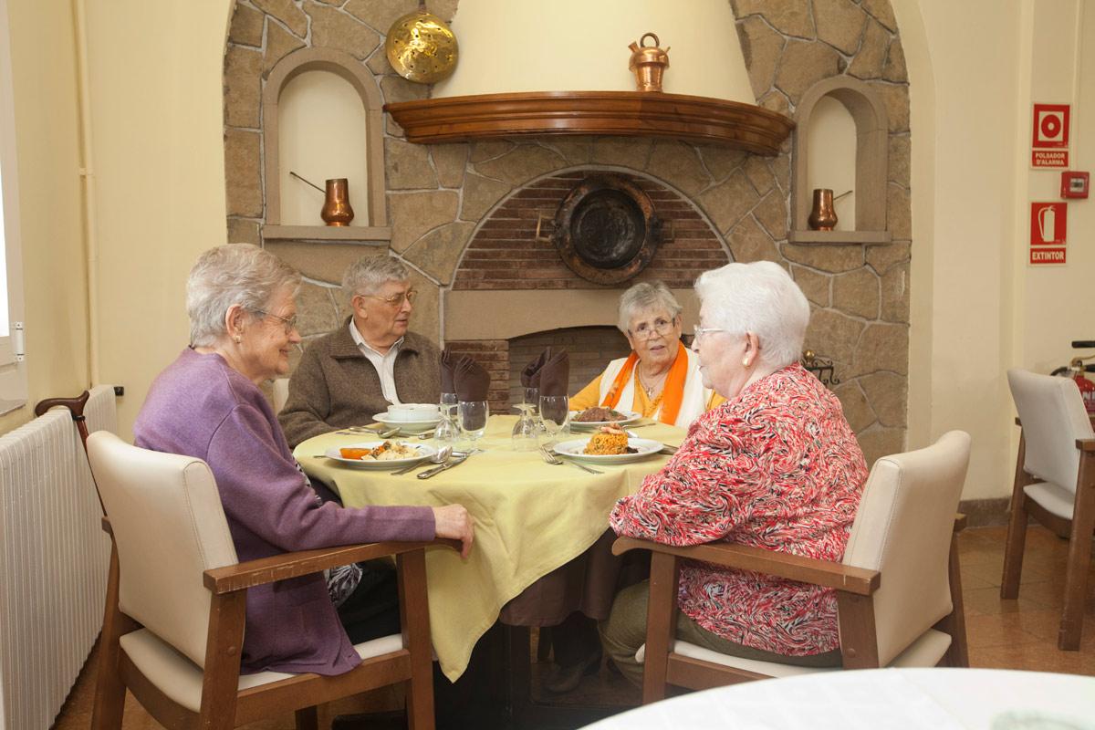 Usuaris a l'hora de dinar