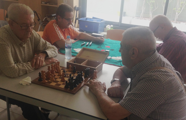 Treballant les capacitats cognitives mitjançant jocs de taula