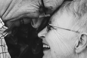 """Xerrada educativa """"Emocions i bon envelliment"""", a càrrec d'Amparo Roca, psicòleg @ Sala Terra   Terrassa   Catalunya   Espanya"""
